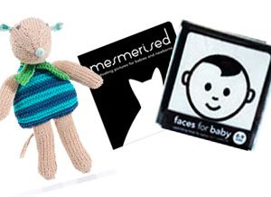 Newborn gift pack with mouse toy
